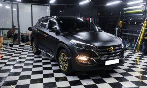 Dán decal đổi màu xe Huyndai Tucson màu đen lì CM01 Teckwrap