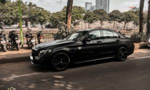 Dán decal đổi màu Mercedes C200 đen mờ CM01 Teckwrap