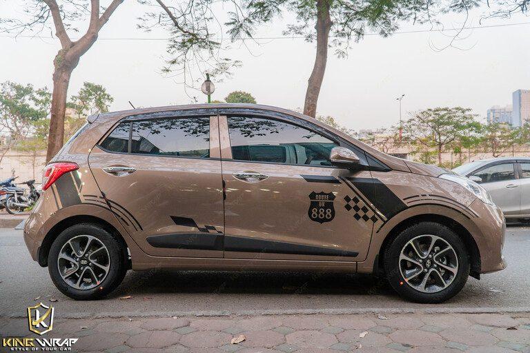Dán decal tem xe ô tô đẹp giá rẻ tại Hà Nội Huyndai i10