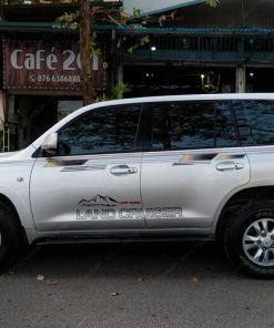Dán decal tem xe ô tô đẹp giá rẻ tại Cầu Giấy Toyota LandCruise