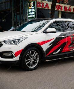 Dán decal tem xe ô tô Huyndai Santafe phong cách